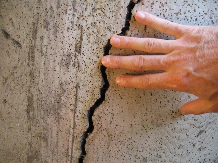 rachaduras e fissuras no concreto