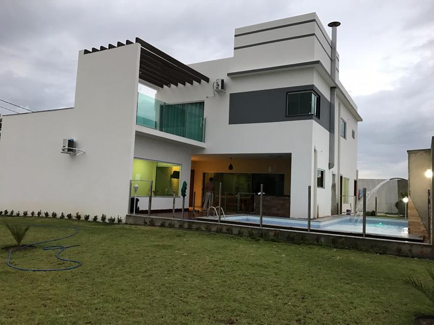 Fachada posterior do sobrado Florianópolis construído com modificações